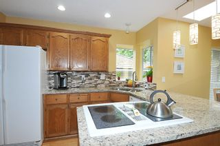 Photo 9: 17 ARROW-WOOD Place in Port Moody: Heritage Mountain House for sale : MLS®# R2177275