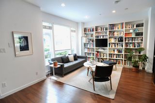 """Photo 4: 2779 GUELPH Street in Vancouver: Mount Pleasant VE Townhouse for sale in """"The Block"""" (Vancouver East)  : MLS®# R2602227"""