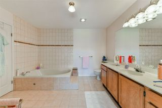 "Photo 32: 407 777 EIGHTH Street in New Westminster: Uptown NW Condo for sale in ""Moody Gardens"" : MLS®# R2479408"