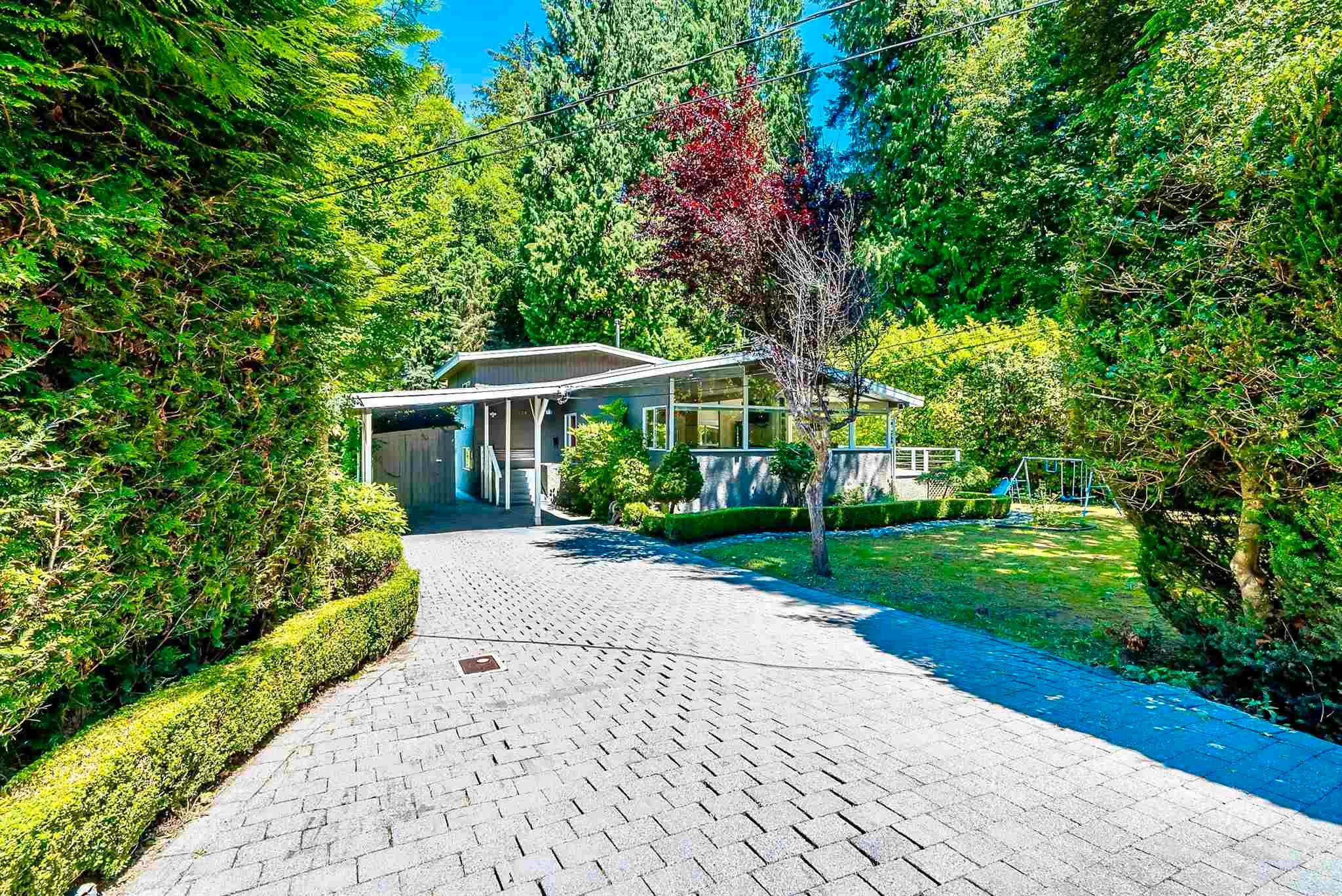 Main Photo: 338 MOYNE Drive in West Vancouver: British Properties House for sale : MLS®# R2601483