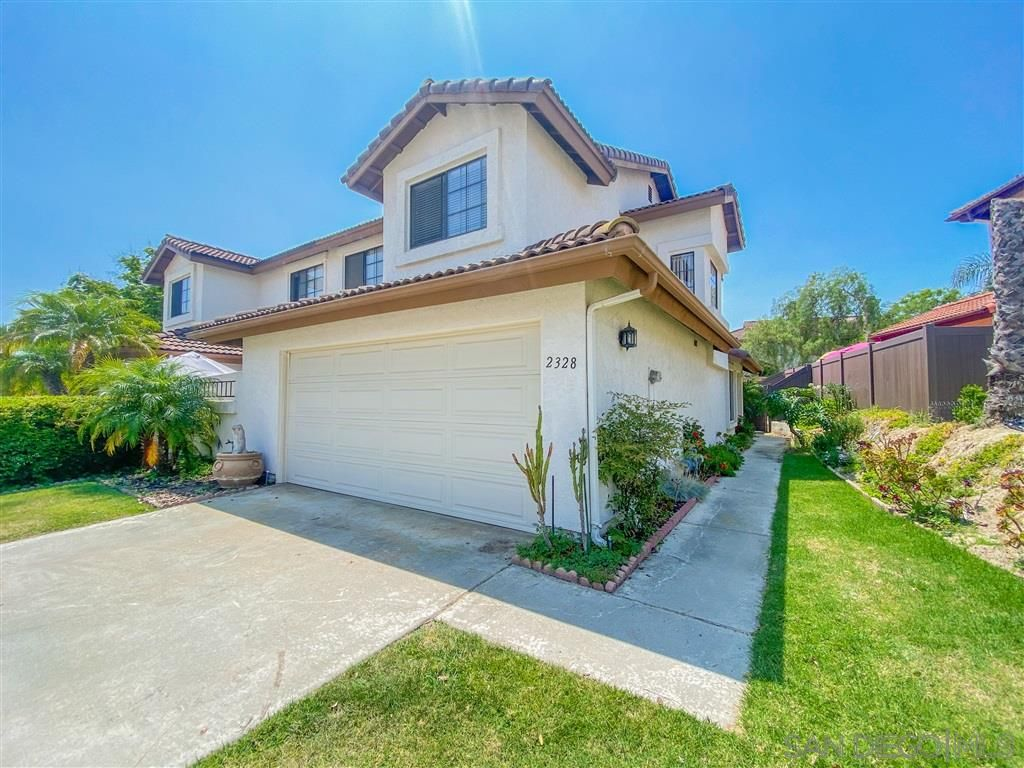 Main Photo: ENCINITAS Twin-home for sale : 3 bedrooms : 2328 Summerhill Dr