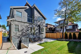 "Photo 19: 88 E 26TH Avenue in Vancouver: Main House for sale in ""MAIN STREET"" (Vancouver East)  : MLS®# R2108921"