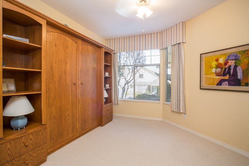 """Photo 13: Photos: 83 2533 152 Street in Surrey: Sunnyside Park Surrey Townhouse for sale in """"Bishop's Green"""" (South Surrey White Rock)  : MLS®# R2354943"""