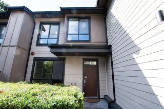 """Photo 3: 12 3728 THURSTON Street in Burnaby: Central Park BS Townhouse for sale in """"THURSTON"""" (Burnaby South)  : MLS®# R2493897"""