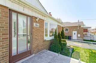 Photo 5: Main 5 Orlando Boulevard in Toronto: Wexford-Maryvale House (Bungalow-Raised) for lease (Toronto E04)  : MLS®# E5206702