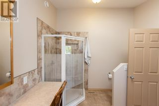 Photo 14: 332 15 Street N in Lethbridge: House for sale : MLS®# A1114555