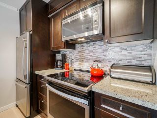 """Photo 9: 1 1214 W 7TH Avenue in Vancouver: Fairview VW Townhouse for sale in """"MARVISTA COURTS"""" (Vancouver West)  : MLS®# R2560085"""