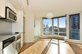 """Photo 7: 1102 788 HAMILTON Street in Vancouver: Downtown VW Condo for sale in """"TV TOWERS 1"""" (Vancouver West)  : MLS®# R2217324"""