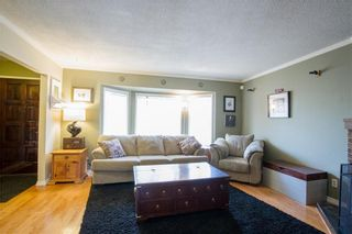 Photo 4: 6306 24 Avenue NE in Calgary: Pineridge House for sale : MLS®# C4181311