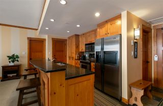 Photo 8: 220 2202 GONDOLA WAY in Whistler: Whistler Creek Condo for sale : MLS®# R2515706