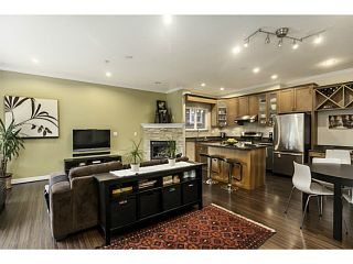 """Photo 4: 1447 E 21ST Avenue in Vancouver: Knight 1/2 Duplex for sale in """"Cedar Cottage"""" (Vancouver East)  : MLS®# V1066306"""