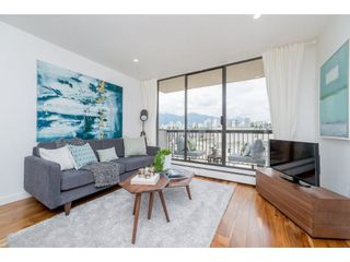 """Photo 5: 1904 145 ST. GEORGES Avenue in North Vancouver: Lower Lonsdale Condo for sale in """"TALISMAN TOWERS"""" : MLS®# R2260012"""