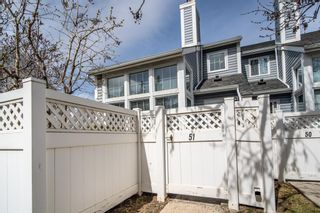 Photo 3: 51 28 Berwick Crescent NW in Calgary: Beddington Heights Row/Townhouse for sale : MLS®# A1100183