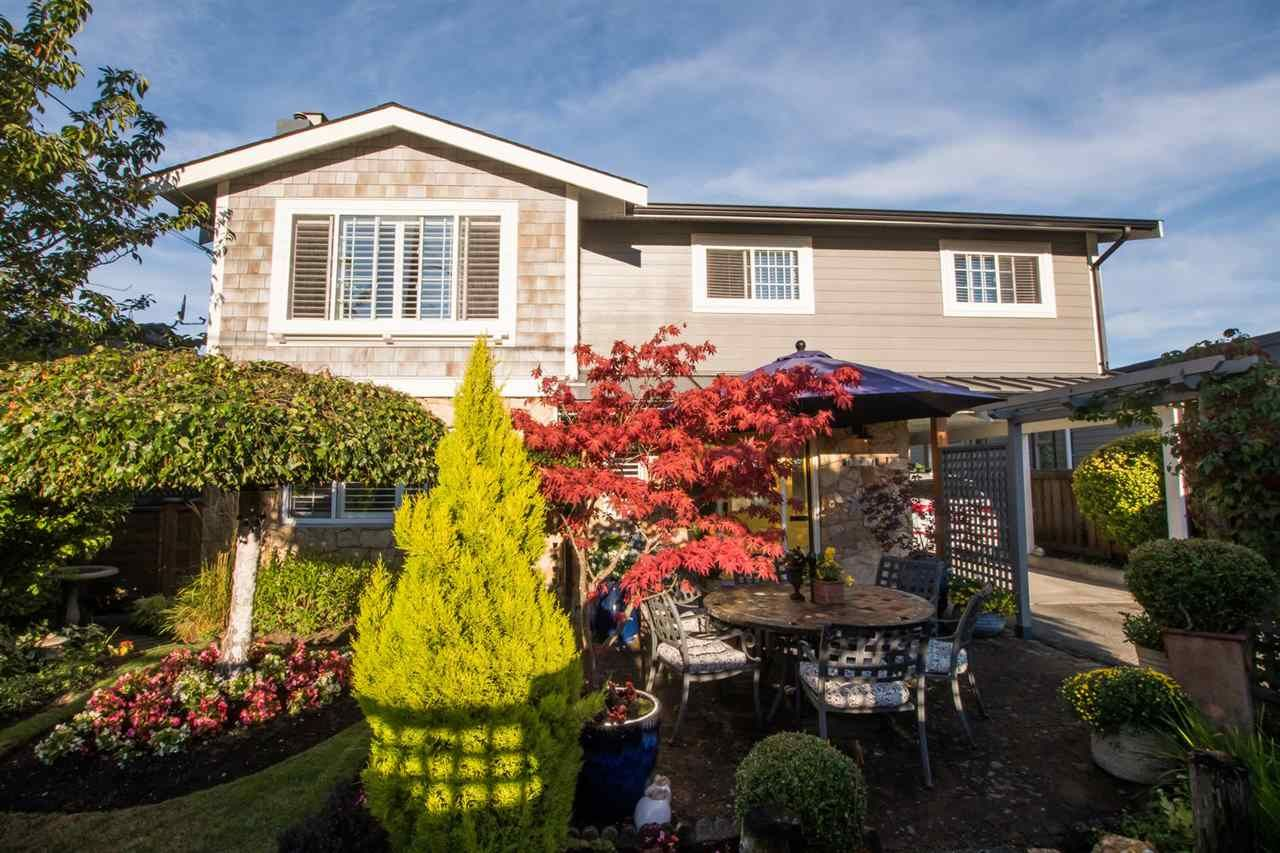 "Photo 2: Photos: 248 66 Street in Delta: Boundary Beach House for sale in ""BOUNDARY BAY"" (Tsawwassen)  : MLS®# R2527524"