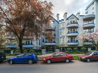 "Photo 18: 303 1924 COMOX Street in Vancouver: West End VW Condo for sale in ""The Windgate"" (Vancouver West)  : MLS®# R2049844"