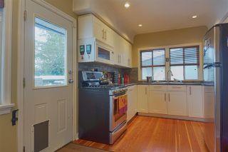 Photo 5: 3648 TURNER STREET in Vancouver: Renfrew VE House for sale (Vancouver East)  : MLS®# R2138053