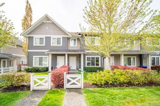 Main Photo: 302 1675 Crescent View Dr in : Na Central Nanaimo Row/Townhouse for sale (Nanaimo)  : MLS®# 875836