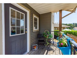 """Photo 4: 9 8880 NOWELL Street in Chilliwack: Chilliwack E Young-Yale Townhouse for sale in """"Parkside Place"""" : MLS®# R2607248"""