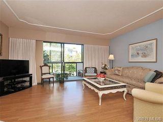Photo 2: 305 1157 Fairfield Rd in VICTORIA: Vi Fairfield West Condo for sale (Victoria)  : MLS®# 684226