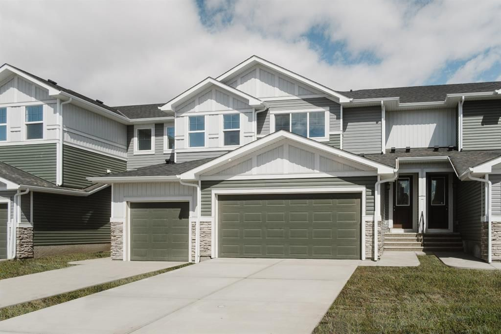 Main Photo: 800 Marina Drive S: Chestermere Row/Townhouse for sale : MLS®# A1146740