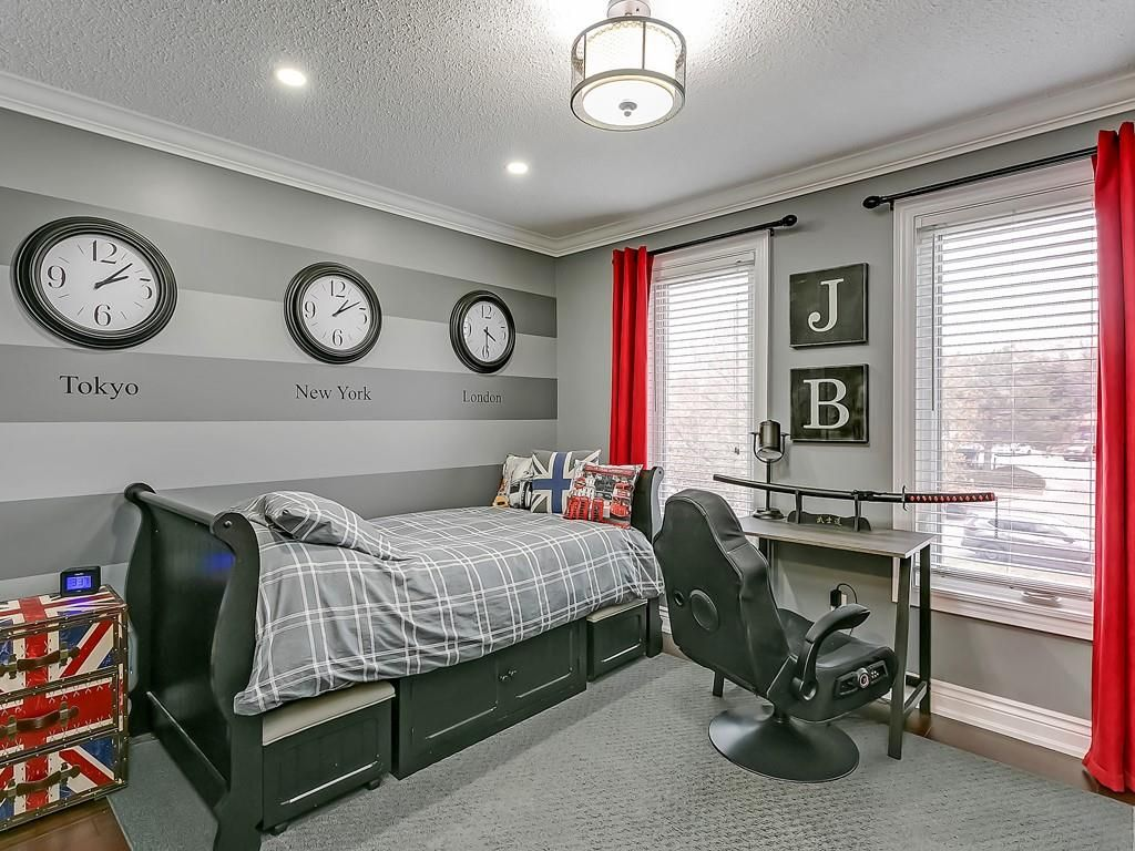 Photo 19: Photos: 2140 SIXTH Line in Oakville: Residential for sale : MLS®# H4068509