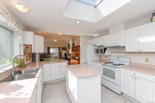 Photo 4: 27 677 Bunting Pl in : CV Comox (Town of) Row/Townhouse for sale (Comox Valley)  : MLS®# 885039