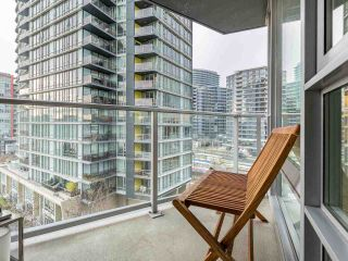 "Photo 16: 806 8 SMITHE Mews in Vancouver: Yaletown Condo for sale in ""FLAGSHIP"" (Vancouver West)  : MLS®# R2549159"