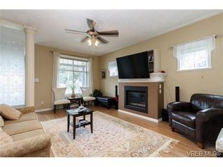 Photo 4: 639 Treanor Ave in VICTORIA: La Thetis Heights House for sale (Langford)  : MLS®# 671823