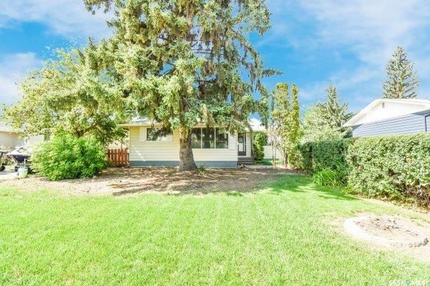 Main Photo: 342 Acadia Drive in Saskatoon: West College Park Residential for sale : MLS®# SK870792