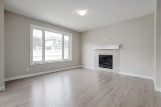 Photo 4: 223 EVANSGLEN Circle NW in Calgary: Evanston Detached for sale : MLS®# A1039757