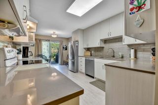 """Photo 10: 319 16233 82 Avenue in Surrey: Fleetwood Tynehead Townhouse for sale in """"The Orchards"""" : MLS®# R2606826"""
