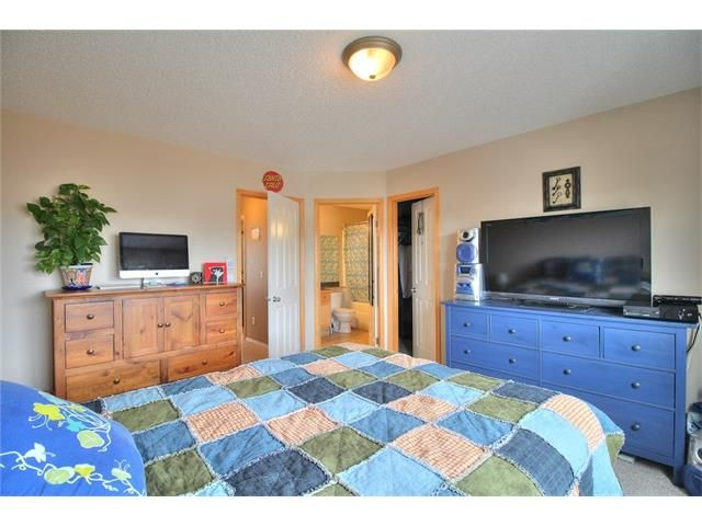 Photo 22: Photos: 304 EVERSYDE Circle SW in Calgary: Evergreen House for sale : MLS®# C4035934