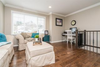 Photo 3: 4057 CHANNEL Street in Abbotsford: Abbotsford East House for sale : MLS®# R2239020