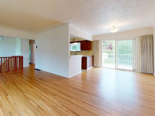 Photo 2: 4105 Tuxedo Dr in : SE Lake Hill House for sale (Saanich East)  : MLS®# 874539