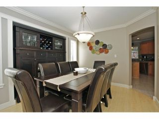 Photo 4: 6849 184A Street in Surrey: Cloverdale BC House for sale (Cloverdale)  : MLS®# F1400810