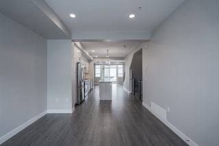 """Photo 14: 75 8413 MIDTOWN Way in Chilliwack: Chilliwack W Young-Well Townhouse for sale in """"MIDTOWN ONE"""" : MLS®# R2570678"""