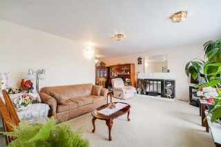 Photo 2: 1725 E 60TH Avenue in Vancouver: Fraserview VE House for sale (Vancouver East)  : MLS®# R2529147