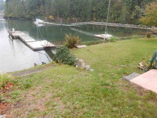 """Photo 17: 4457 FRANCIS PENINSULA Road in Madeira Park: Pender Harbour Egmont House for sale in """"Gerran's Bay"""" (Sunshine Coast)  : MLS®# R2009213"""