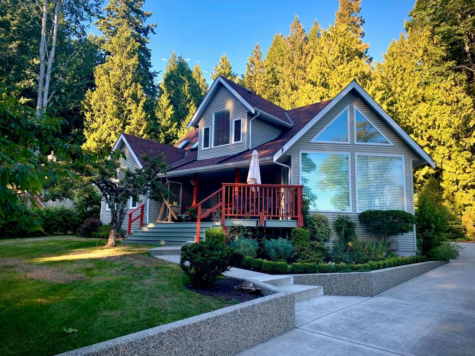 Main Photo: 954 FEENEY Road in Gibsons: Gibsons & Area House for sale (Sunshine Coast)  : MLS®# R2624754
