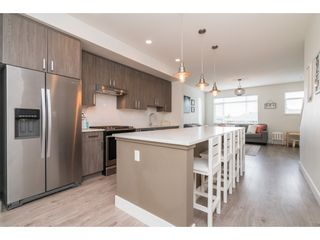 """Photo 6: 9 34230 ELMWOOD Drive in Abbotsford: Central Abbotsford Townhouse for sale in """"Ten Oaks"""" : MLS®# R2386873"""