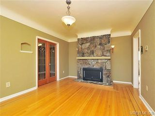 Photo 11: 3049 Earl Grey Street in VICTORIA: SW Gorge Residential for sale (Saanich West)  : MLS®# 334199