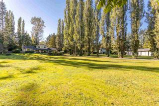 Photo 2: 47 CLOVERMEADOW Crescent in Langley: Salmon River House for sale : MLS®# R2503641