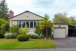 Photo 1: 1824 Chandler Ave in VICTORIA: Vi Fairfield East House for sale (Victoria)  : MLS®# 820459