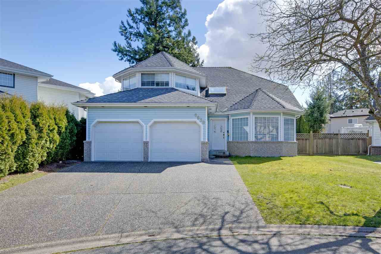 Main Photo: 6638 122A STREET in Surrey: West Newton House for sale : MLS®# R2555017