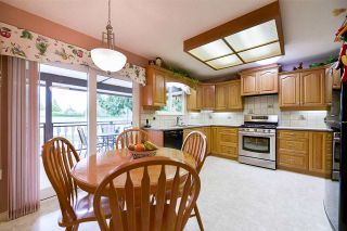 """Photo 5: 1705 142 Street in Surrey: Sunnyside Park Surrey House for sale in """"Ocean Bluff"""" (South Surrey White Rock)  : MLS®# R2165784"""