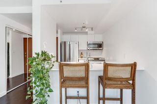 """Photo 15: 2204 555 JERVIS Street in Vancouver: Coal Harbour Condo for sale in """"Harbourside Park"""" (Vancouver West)  : MLS®# R2544198"""