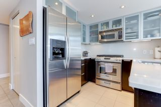 """Photo 8: 1505 1205 W HASTINGS Street in Vancouver: Coal Harbour Condo for sale in """"BCS2555"""" (Vancouver West)  : MLS®# R2617335"""