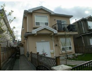 Photo 2: 4952 DOMINION Street in Burnaby: Central BN 1/2 Duplex for sale (Burnaby North)  : MLS®# V702179