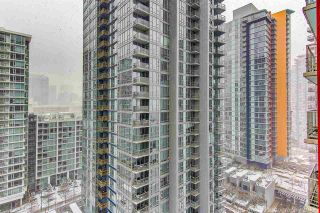 """Photo 10: 1705 111 W GEORGIA Street in Vancouver: Downtown VW Condo for sale in """"SPECTRUM"""" (Vancouver West)  : MLS®# R2136148"""