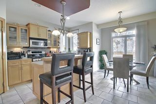Photo 10: 34 Crestmont Drive SW in Calgary: Crestmont Detached for sale : MLS®# A1119055